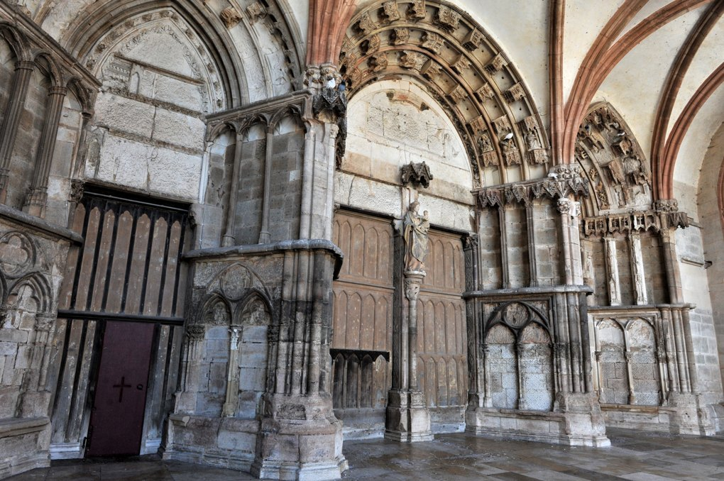 Semur-en-Auxois - Collégiale Notre-Dame (XIIIe-XIVe siècle) : le narthex