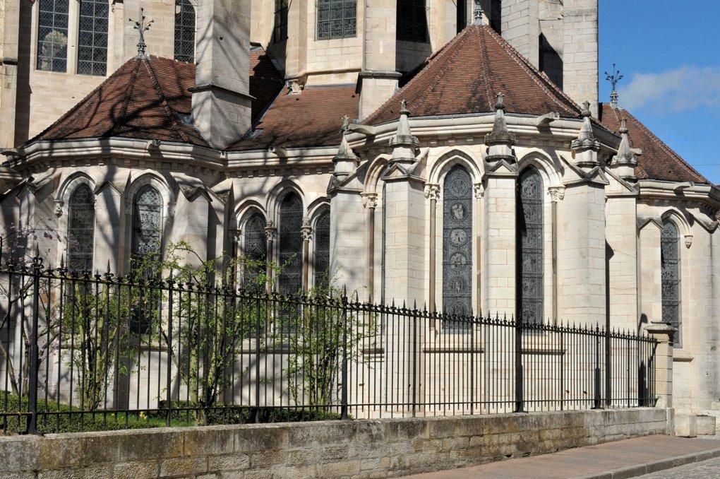 Semur-en-Auxois - Collégiale Notre-Dame (XIIIe-XIVe siècle) - Le chevet (v. 1225-1240)