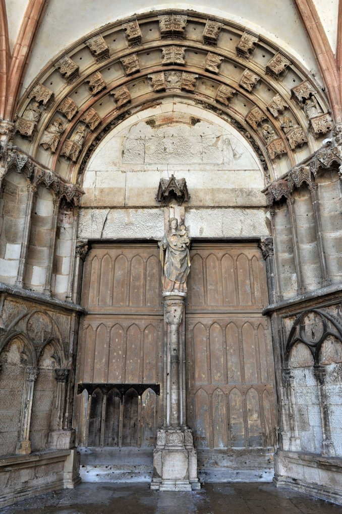 Semur-en-Auxois - Collégiale Notre-Dame (XIIIe-XIVe siècle) - Narthex : portail central