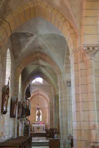 Semur-en-Brionnais - Ancienne collégiale Saint-Hilaire (XIIe siècle) : collatéral nord