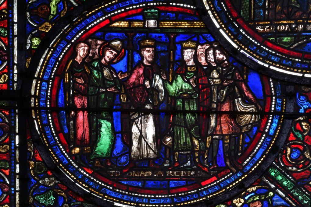 Sens - Cathédrale Saint-Etienne (XIIe-XVIe s.) - vitrail du déambulatoire (v. 1200/1210) : Thomas Becket se réconcilie avec le roi d'Angleterre Henri par l'entremise du roi de France Louis VII