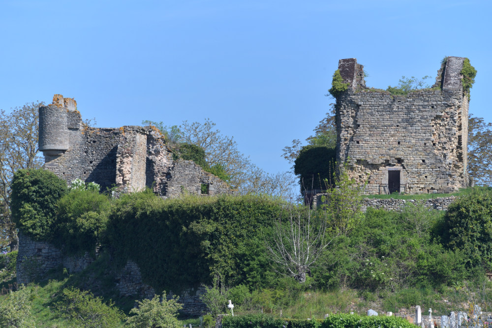 Sigy-le-Châtel - Ancien château (XIIIe-XVe s.)