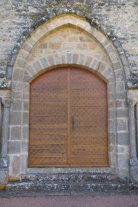 Sigy-le-Châtel - Portail roman de l'ancienne priorale Saint-Nicolas (XIIe s.)