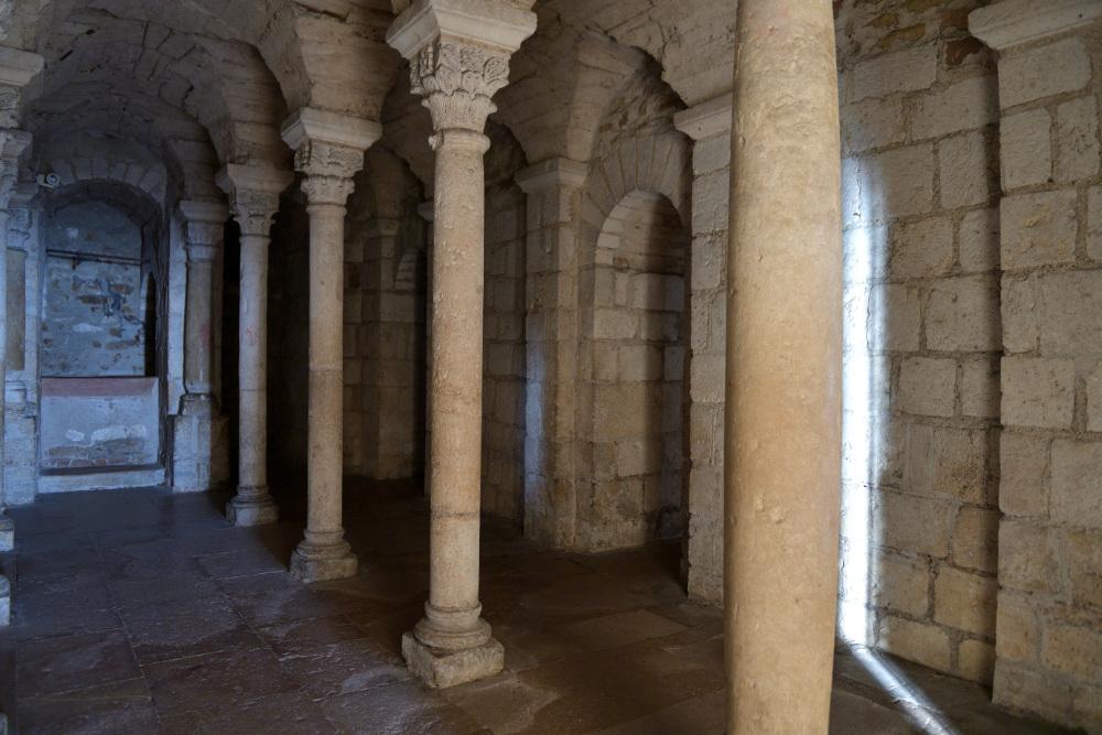 Tournus - Abbatiale : crypte (XIe s.)