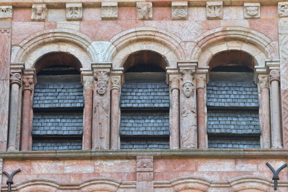 Tournus - Abbatiale : étage de la tour nord (XIIe s.)