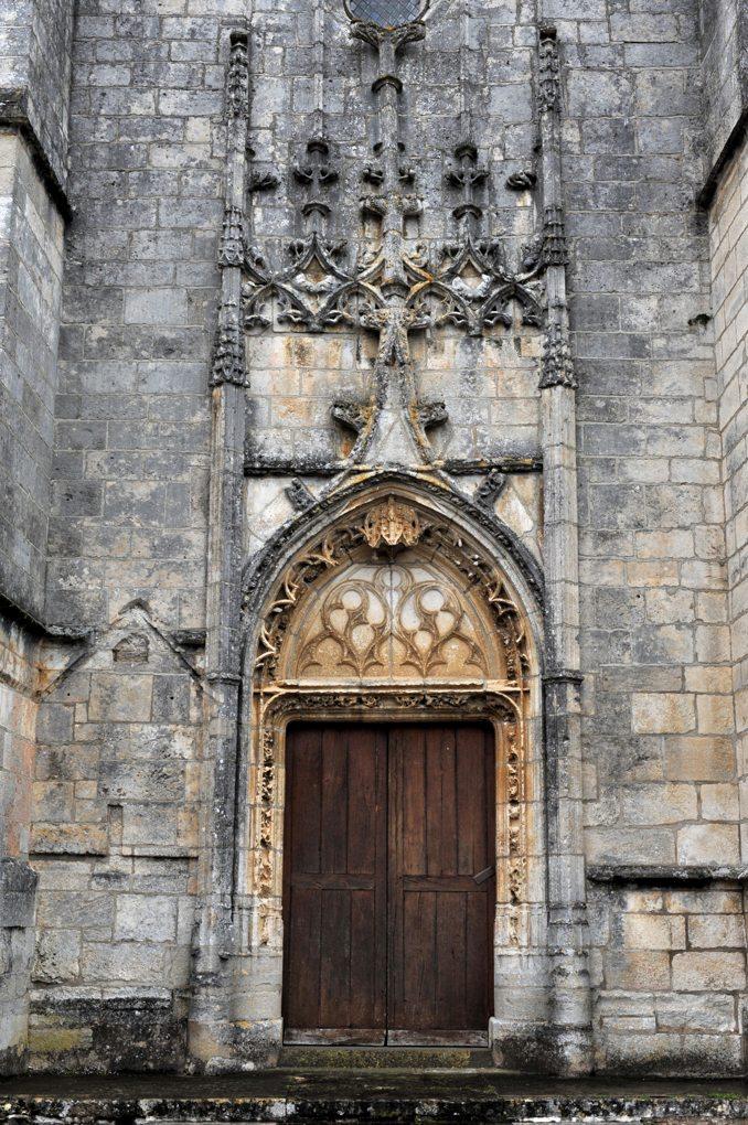 Treigny - Eglise Saint-Symphorien (fin du XVe siècle) : le portail