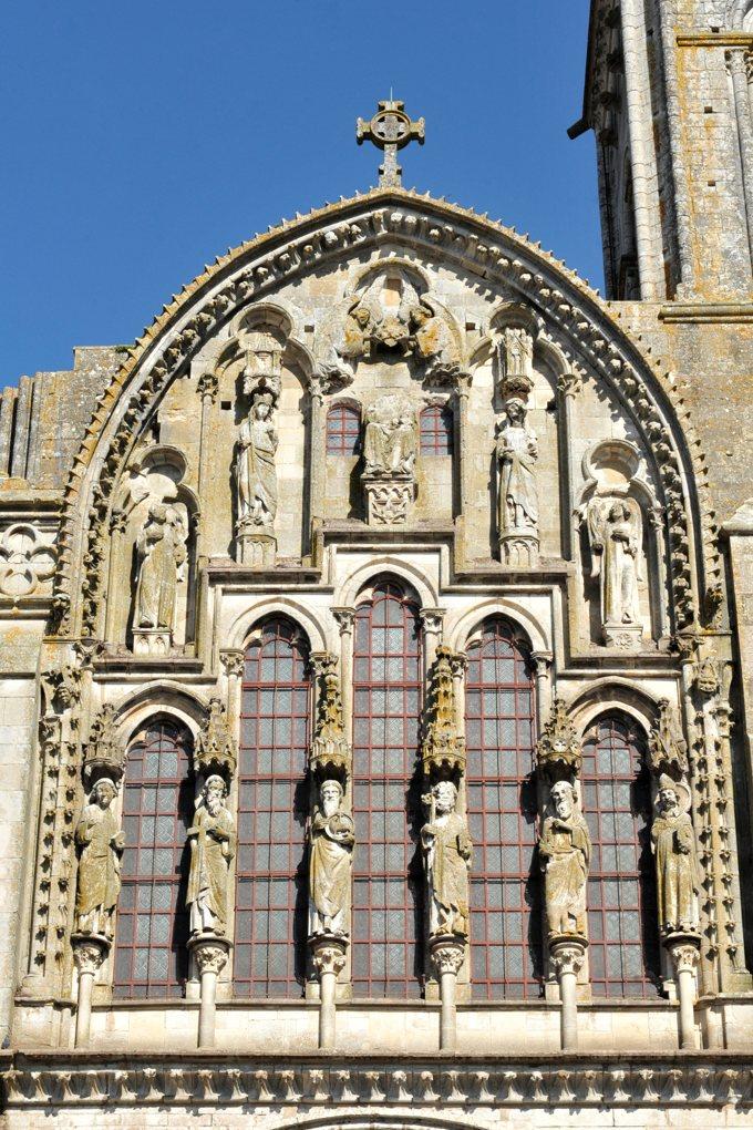 Vézelay - Abbatiale : le fronton gothique (v. 1250)