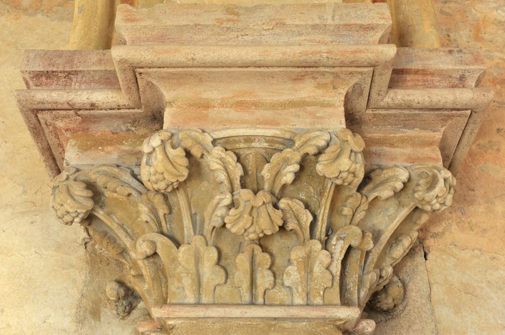 Vézelay - Abbaye - Chapiteau dans l'ancien dortoir ou scriptorium (v. 1170)
