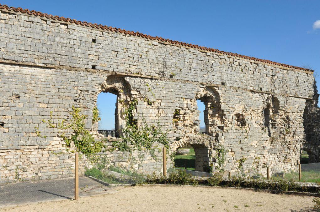 Vézelay - Abbaye - Ruines d'un bâtiment conventuel (XIIe siècle)