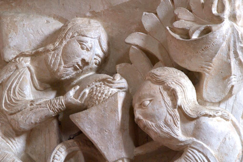 Vézelay - Basilique Sainte-Madeleine - Chapiteau de la nef - Le Moulin mystique : Moïse et saint Paul (v. 1130)