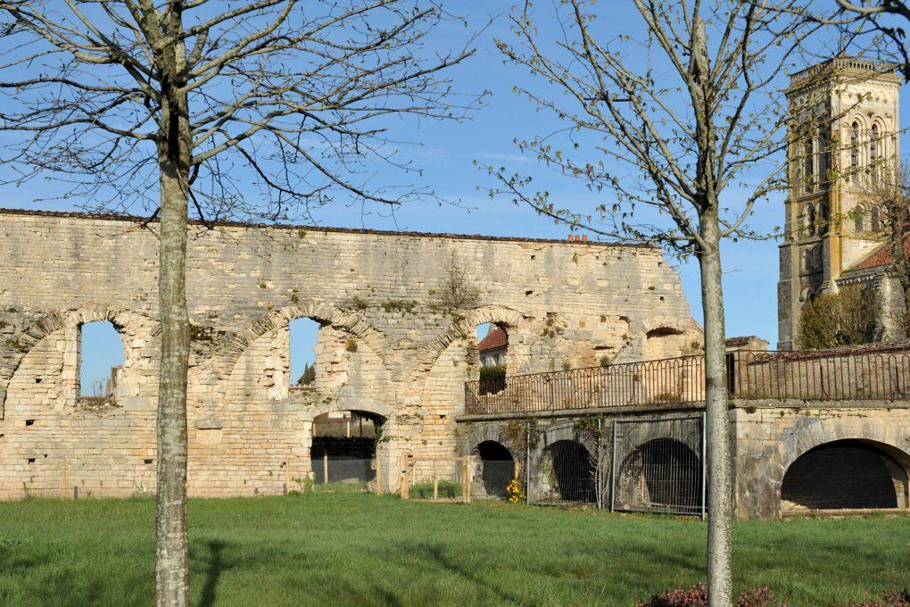 Vézelay - Abbaye - Ruines de l'ancien réfectoire (XIIe siècle)