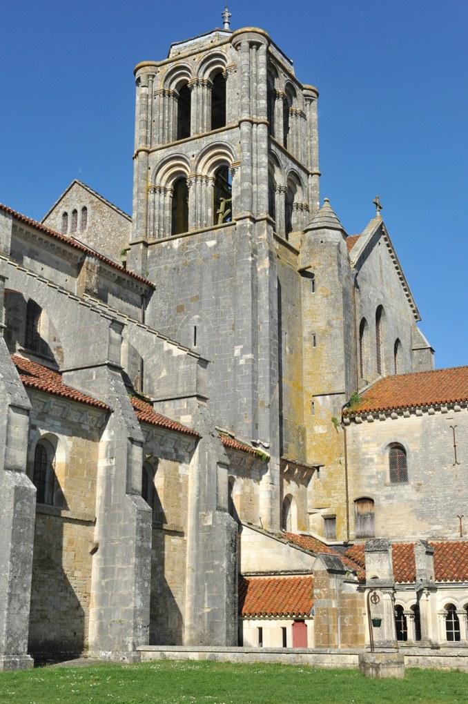 Vézelay - Abbatiale : Tour Saint-Antoine, reprise par Viollet-le-Duc au XIXe siècle