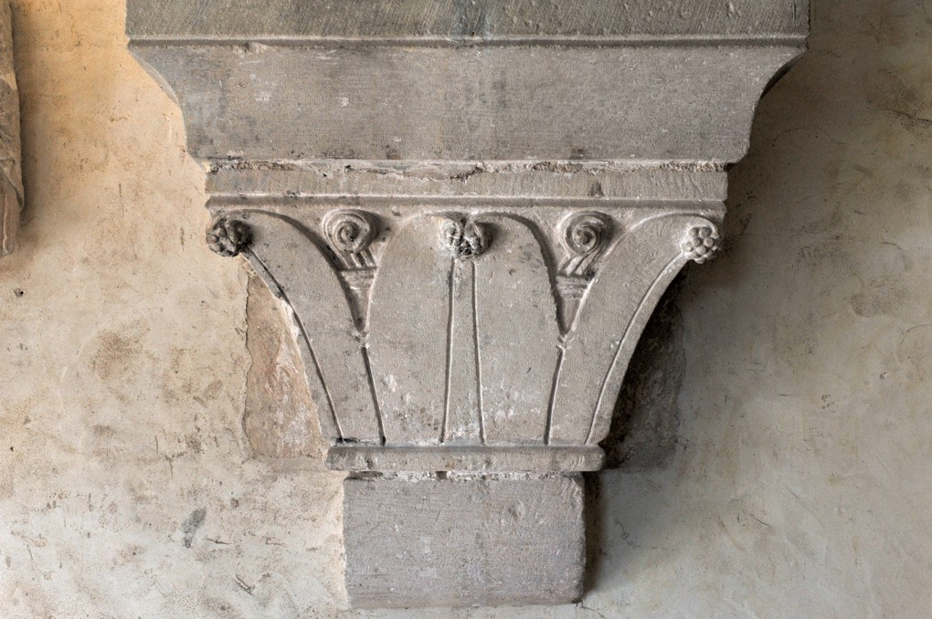 Vézelay - Abbaye - Chapiteau dans la première salle romane au-dessus du cloître (v. 1170)