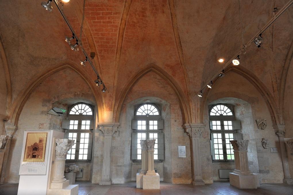 Vézelay - Abbaye - Ancien dortoir ou ancien scriptorium (v. 1170)