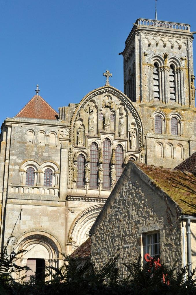 Vézelay - Abbatiale : façade de l'ancienne abbatiale (XIIe-XIIIe et XIXe siècle)