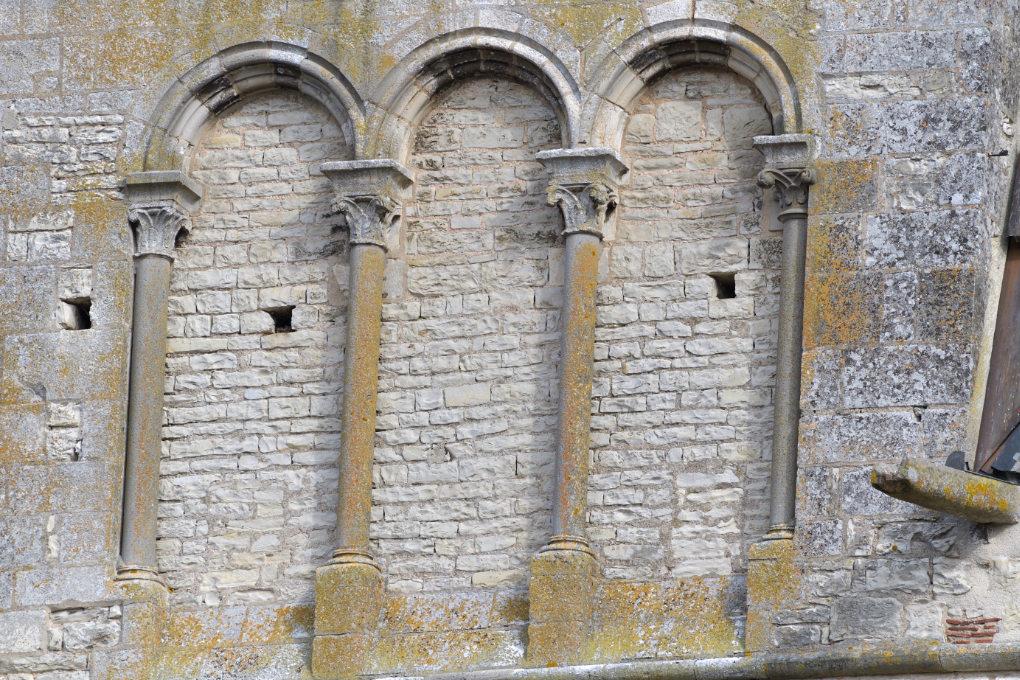 Vermenton - Eglise Notre-Dame (XIIe-XIVe s.) : détail du clocher (v. 1170)