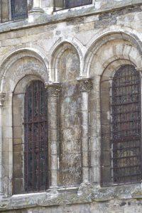 Vermenton - Eglise Notre-Dame (XIIe-XIVe s.) : baies du collatéral nord