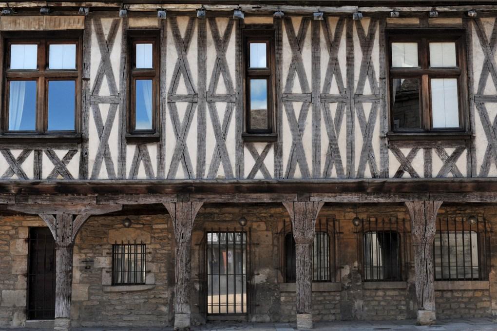 Vitteaux - La Maison aux piliers (2e moitié du XVe siècle)