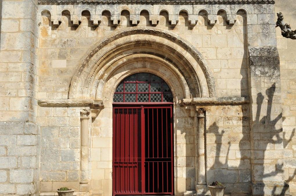 Bazarnes - Eglise Saint-Vérain (milieu du XIIe siècle) : le portail
