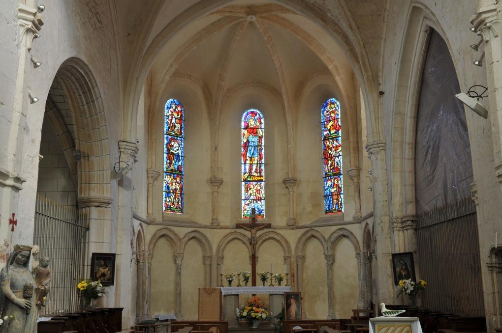 Mailly-le-Château - Eglise Saint-Adrien (XIIIe-XIVe siècle) : le chevet