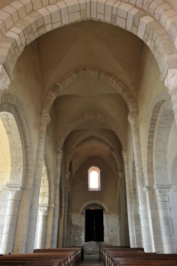 Sacy - Eglise Saint-Jean-Baptiste : la nef (v. 1150-1170)