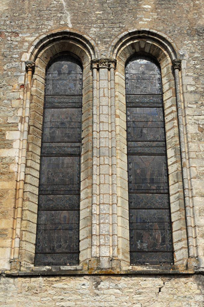 Sacy - Eglise Saint-Jean-Baptiste (XIIe-XIIIe siècle) : chapiteaux gothiques : lancettes du bras sud du transept