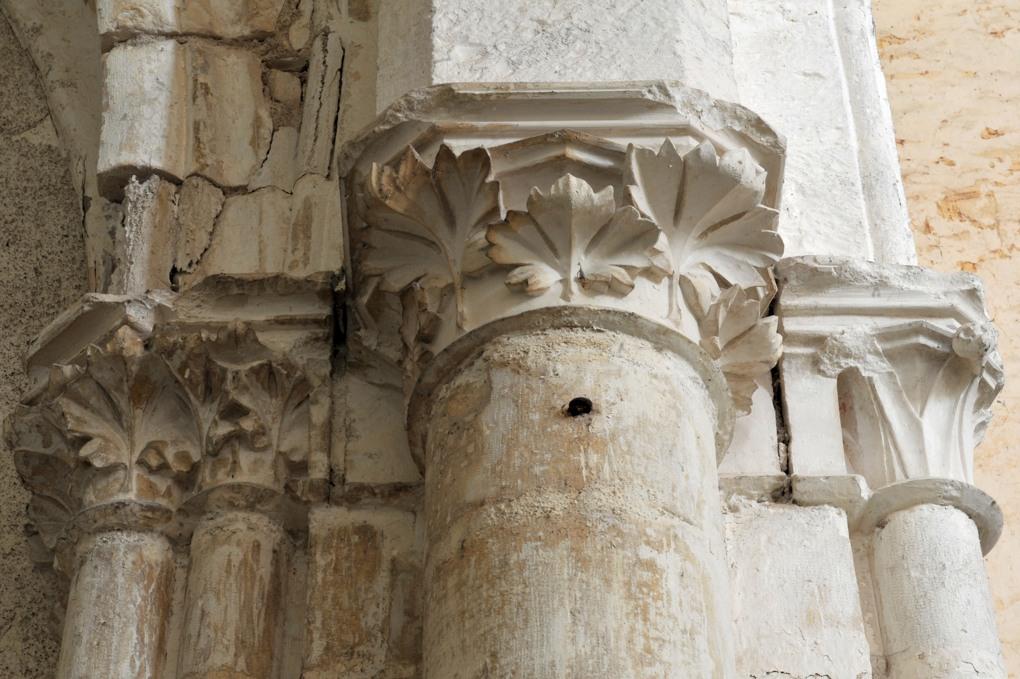 Sacy - Eglise Saint-Jean-Baptiste (XIIe-XIIIe siècle) : chapiteaux gothiques
