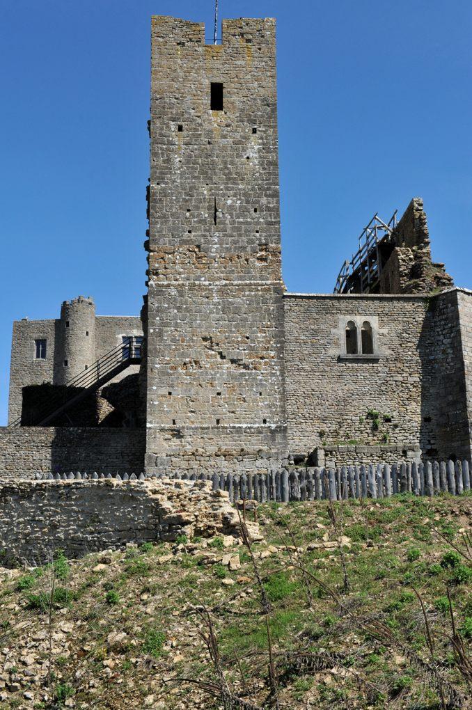Vic-sous-Thil - Château de Thil : la Tour de guet (v. 1300)