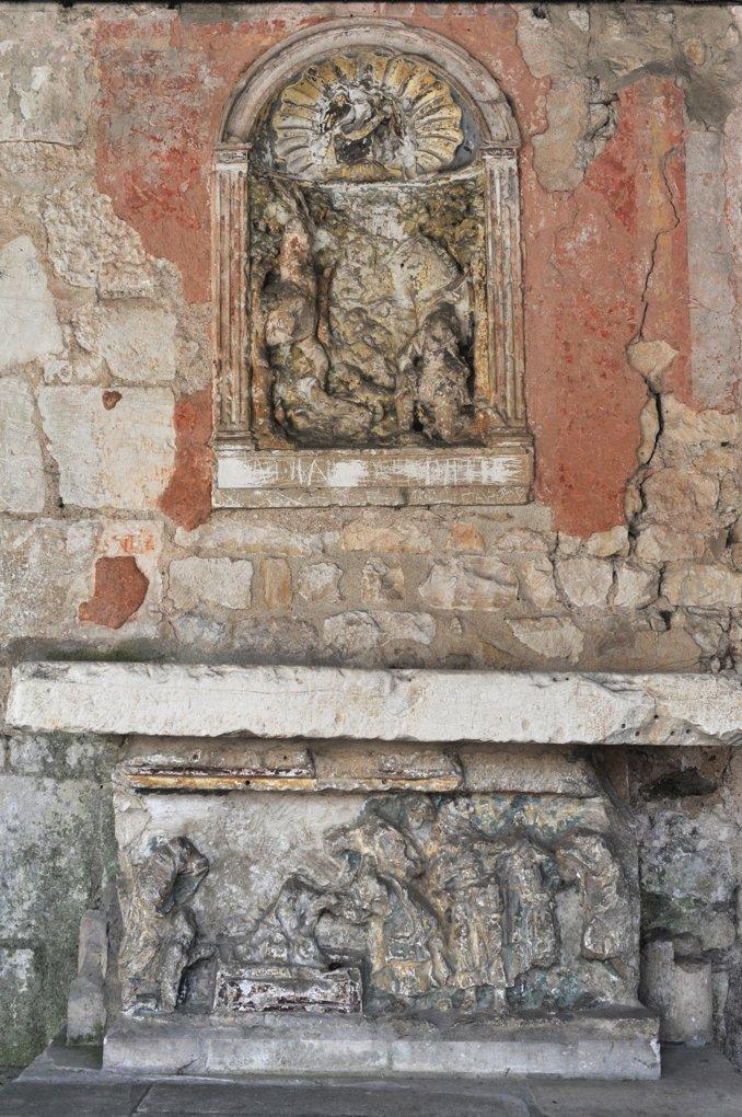 Vaux - Eglise Saint-Loup (XIIe-XIIIe et XVIe siècle) : bas-relief de Saint-Hubert (XVIe siècle)