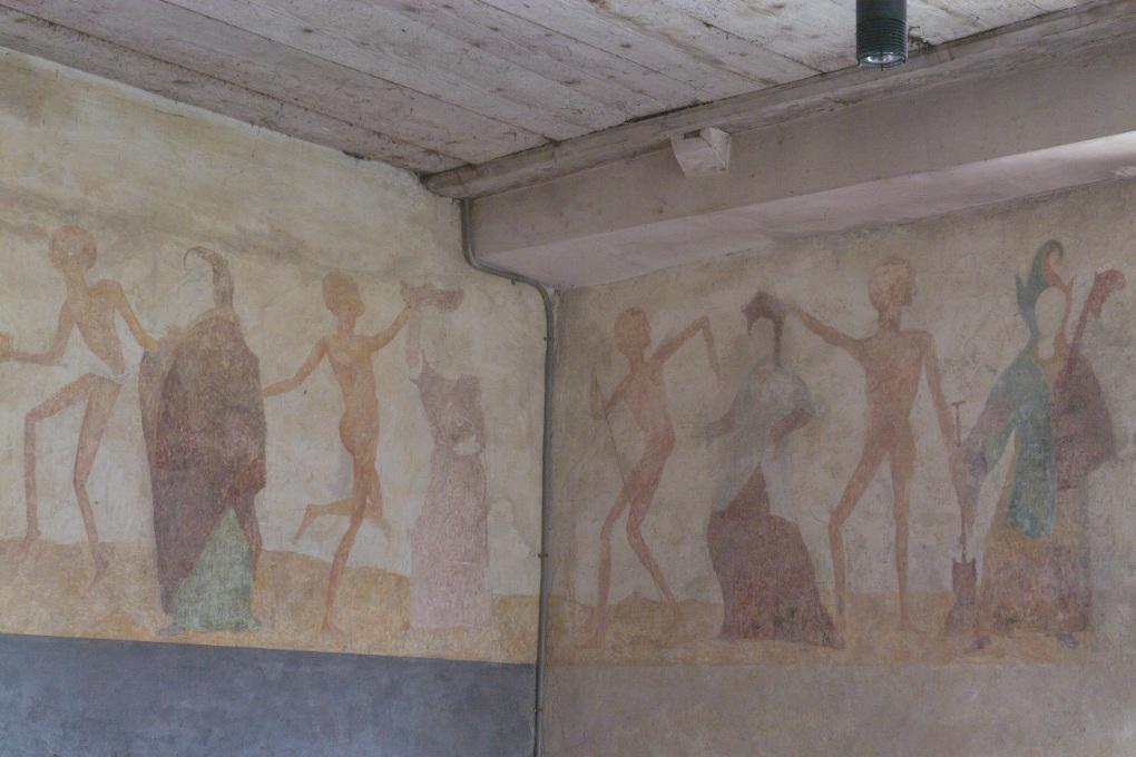 Brianny - Chapelle Sainte-Apolline (XVe s.) - la Danse macabre : à droite, la folle et la coquette