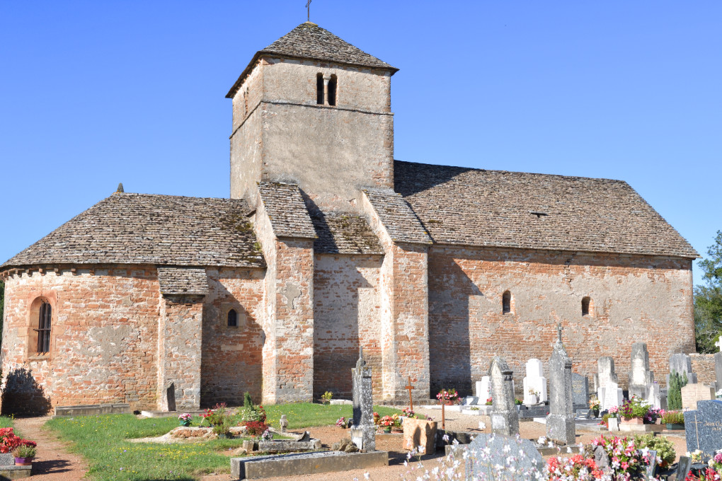 Burgy - Eglise Saint-Jean-Baptiste (XIIe s.)