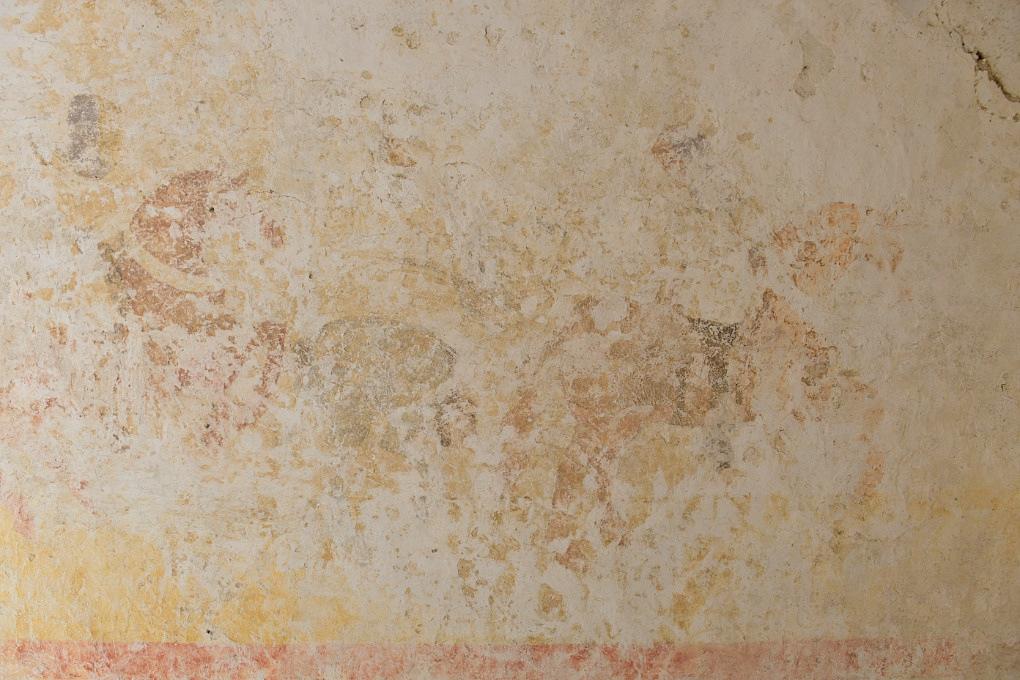 Chassignelles - Eglise Saint-Jean Baptiste (XIIe s.) : le Dict des trois morts et des trois vifs peint sur les voûtes du porche.