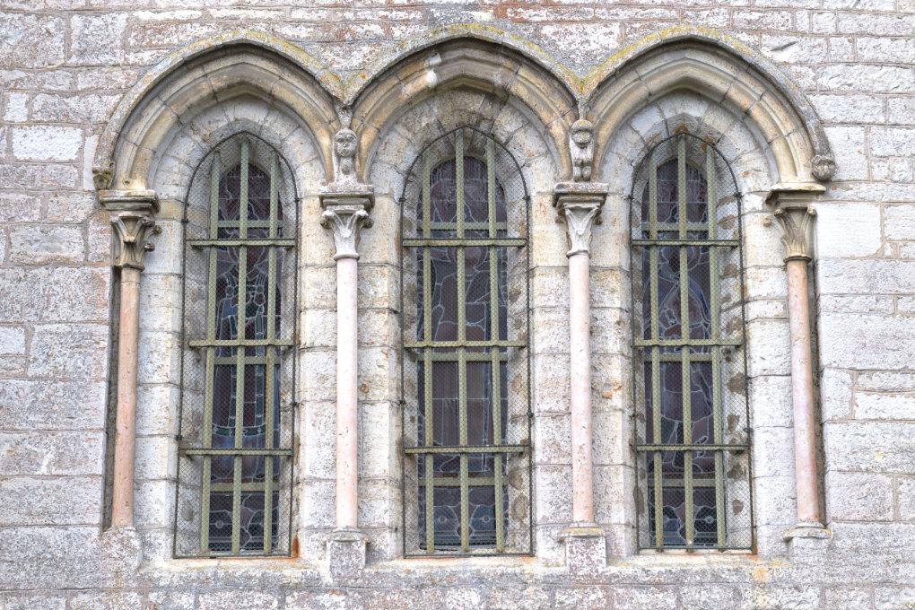 Nuits-Saint-Georges -Eglise Saint-Symphorien (XIIIe s.) : baies triplées de la façade