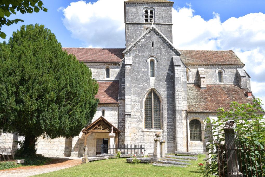 Nuits-Saint-Georges -Eglise Saint-Symphorien (XIIIe s.) : vue côté nord
