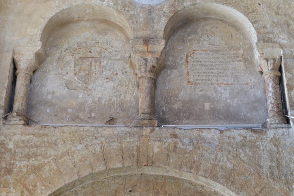 Toulon-sur-Arroux - Eglise Saint-Jean (début XIIe s.) : le faux triforium aveugle
