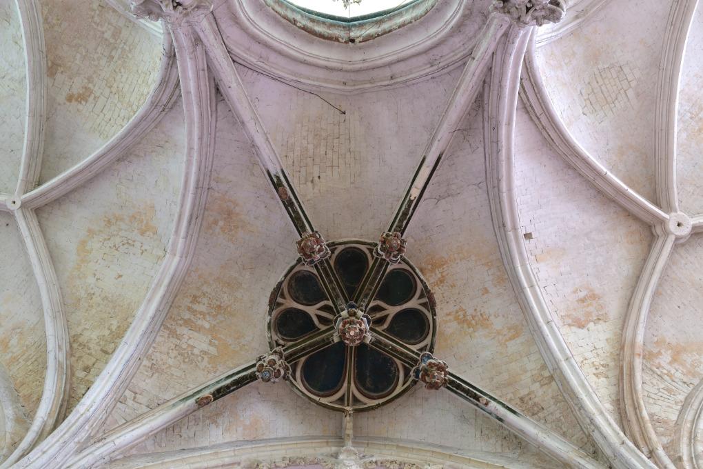 Saint-Julien-du-Sault - Ancienne collégiale Saint-Pierre (XIIIe-XVIe s.) : voûtes du déambulatoire