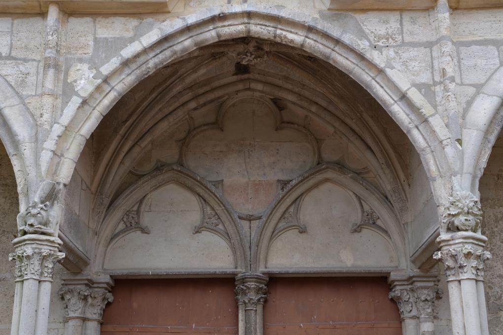 Saint-Julien-du-Sault - Ancienne collégiale Saint-Pierre (XIIIe-XVIe s.) : portail nord (XIIIe s.)