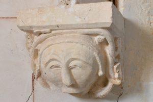 Sainte-Pallaye - Eglise Sainte-Pallaye (fin XIIe et XVIe s.) : culot décoré d'un masque