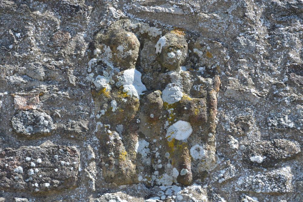 Châtel-Moron - Eglise Saint-Martin (XIIe s.) : fragment de stèle gallo-romaine