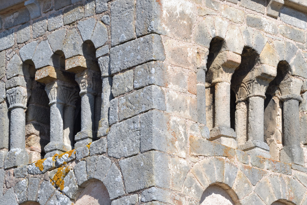 Chiddes - Eglise Saint-Etienne (chevet du XIIe s.)