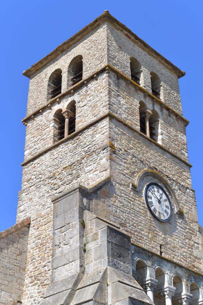 Davayé - Clocher roman (XIIe s.) de l'église Saint-Julien