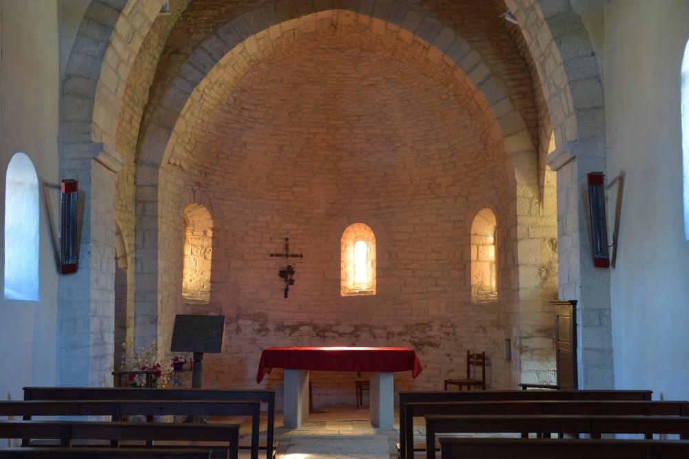 Santilly -Eglise Saint-Victor (XIIe s.) : l'abside